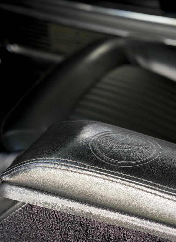 Detalj: Cobra logo sydd in i seteryggen. Tøft! Foto: Paal Kvamme.