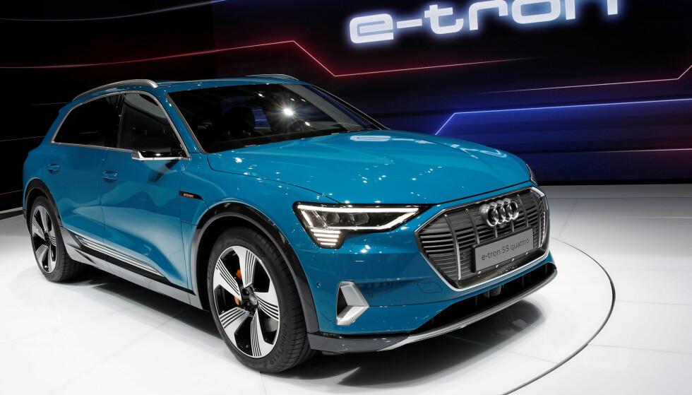 FORSINKELSE: Audi e-tron, den elektriske SUV-en som skal konkurrere med Tesla, blir noen uker forsinket, ifølge produsenten selv. Dette på grunn av programvareoppdatering. Foto: REUTERS/Benoit Tessier