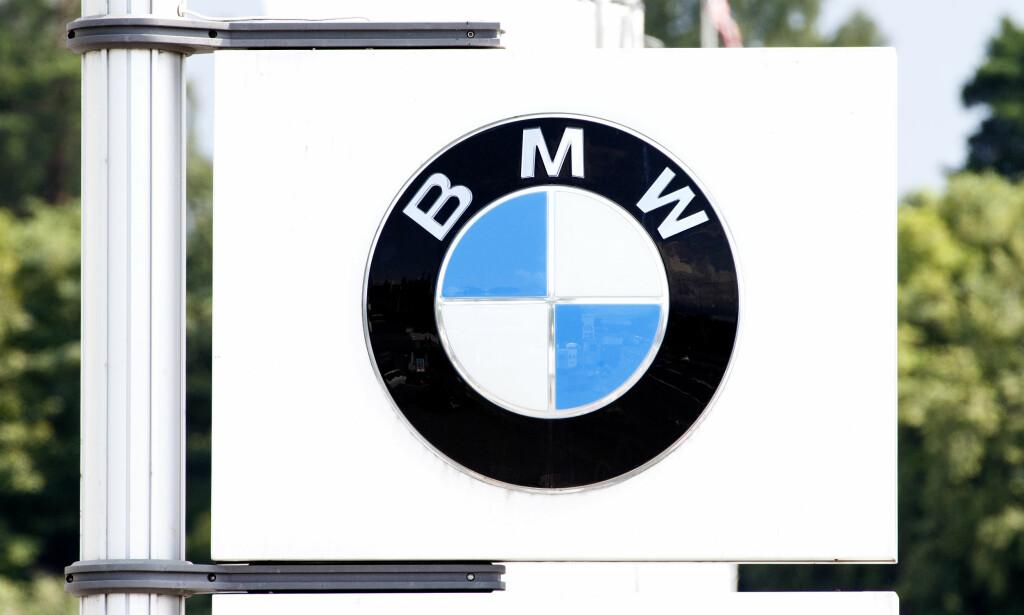 TILBAKEKALLER BILER: Den tyske bilprodusenten BMW tilbakekaller mer enn én million biler grunnet et problem med eksosanlegget som «i ekstreme tilfeller kan føre til brann». Foto: NTB scanpix