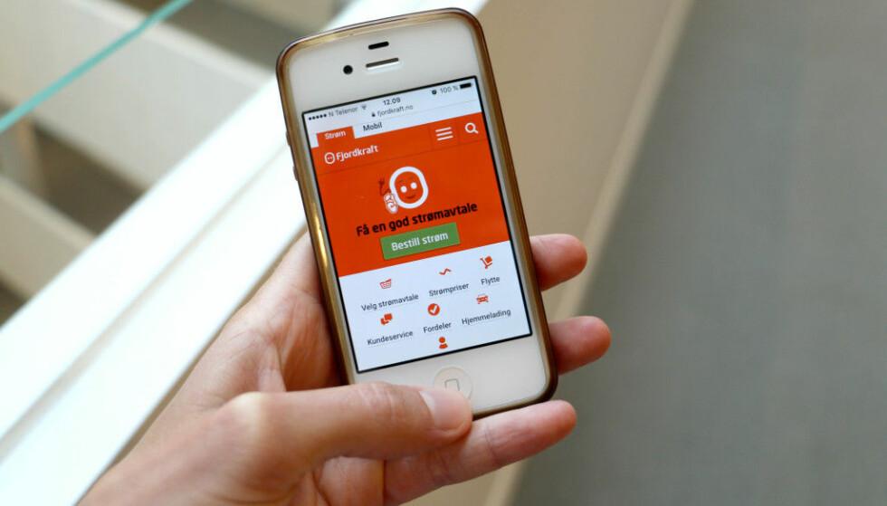 ULOVLIG TELEFONSALG: Fjordkraft straffes med et gebyr på 400.000 kroner for å ha ringt strømkunder for å selge mobilabonnement, selv om kundene hadde reservert seg mot telefonsalg. Dette er alvorlig, sier Forbrukertilsynet. Foto: Eilin Lindvoll