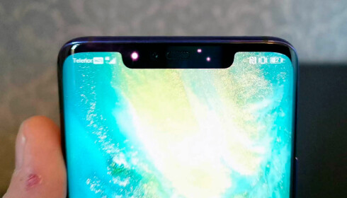 <strong>3D-OPPLÅSING:</strong> Huawei følger i Apples fotspor ved å bruke en infrarød dotprojektor som skanner ansiktet ditt i tre dimensjoner. Foto: Pål Joakim Pollen