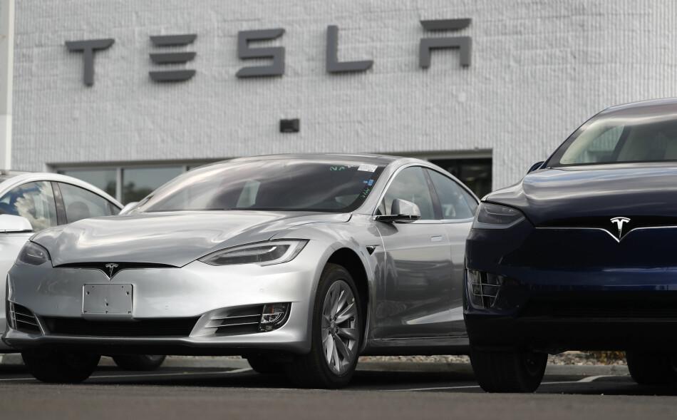 GÅR SÅ DET GRINER: De tre siste månedene har Tesla Model 3 virkelig fått opp dampen i USA. Neste år kommer den til Norge. Foto: AP Photo/David Zalubowski