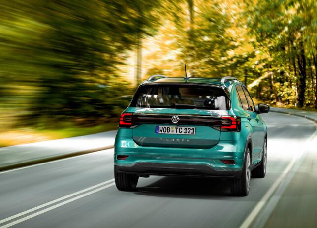 HØYREIST: I T-Cross vil du sitte ti centimeter høyere enn i lillebror Polo, som den kompakte SUV-en er basert på. Foto: Volkswagen