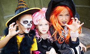 image: Advarer mot farlige halloween-kostymer
