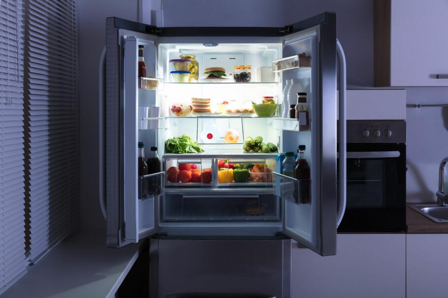 KVALITET: For å være sikker på at du kjøper et kjøleskap av høy kvalitet som passer ditt behov, er det seks faktorer du bør sjekke i forveien. Foto: Scanpix.