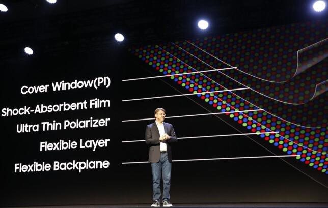 Samsung viser hvordan skjermteknologien er bygd opp. Foto: Stephen Lam/Reuters/NTB Scanpix