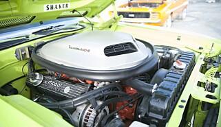 MASSIV. Alt er stort her. Også motoren. 440'en kan skryte av å være på hele 7,2 liter! Foto: Kaj Alver