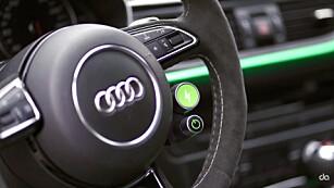 POWERKNAPP: Denne grønne knappen gir fullt trøkk! Vel å merke hvis du ligger over 100 km/t. Foto: Abt