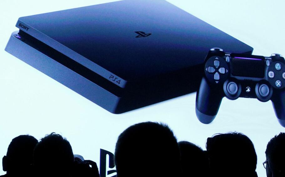 NY PLAYSTATION 4 PRO: Sony har lansert en ny og mer stillegående utgave av PlayStation 4 Pro. Foto: REUTERS/Brendan McDermid