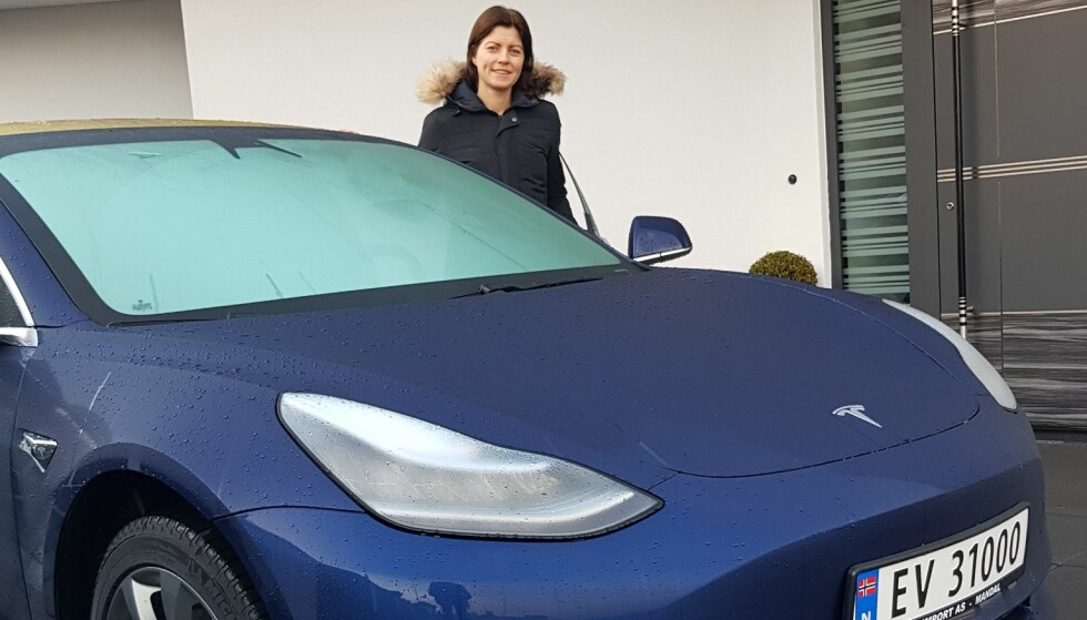 Det er bare én hake:Anette fikk den første Tesla Model 3 i Norge - lenge før alle andre