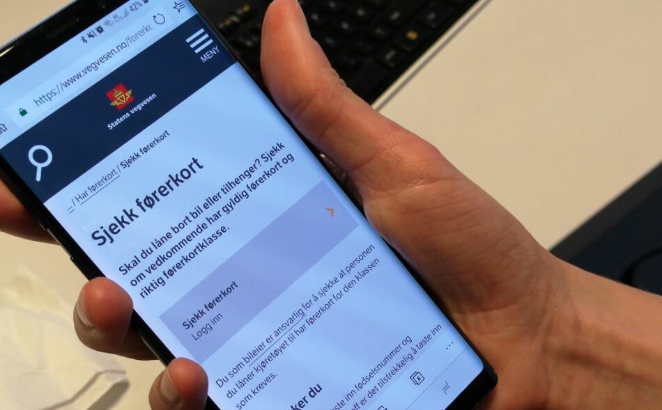 FØRERKORT: Nå kan du sjekke førerretten til andre på nett. Foto: Martin Kynningsrud Størbu