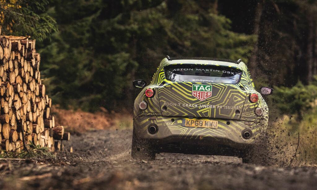 RØR: Dette er åpenbart ikke en elbil ... Foto: Aston Martin