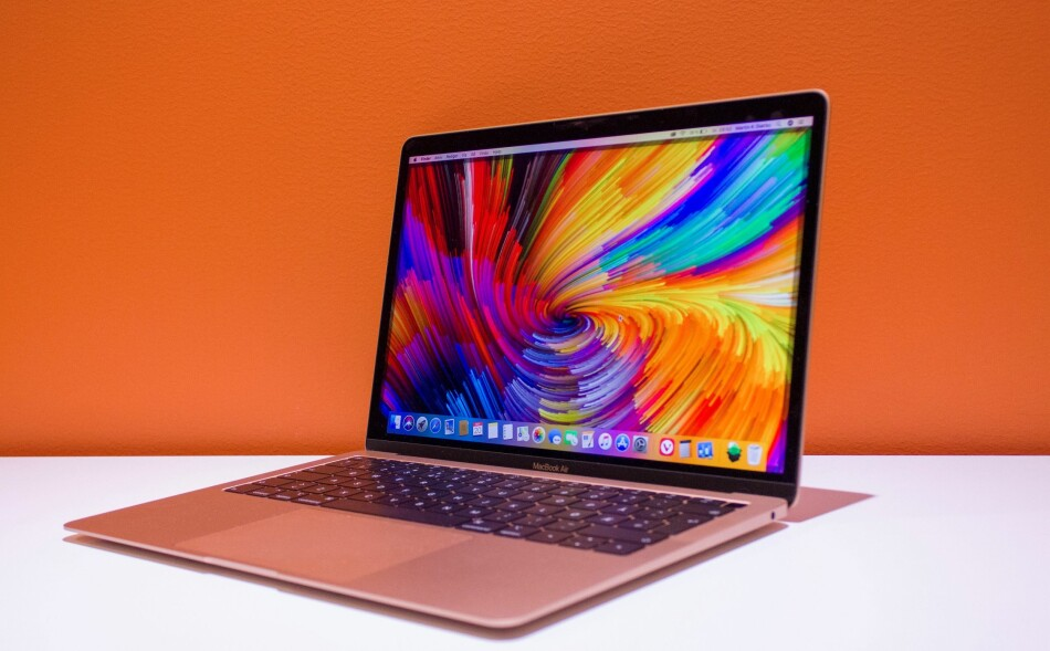 MACBOOK AIR: Apple har oppgradert alt ved MacBook Air. Foto: Martin Kynningsrud Størbu