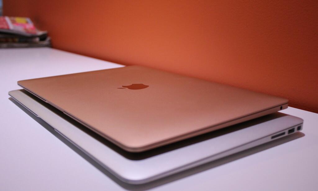 Nye MacBook Air er mye mindre enn den forrige modellen. Foto: Martin Kynningsrud Størbu