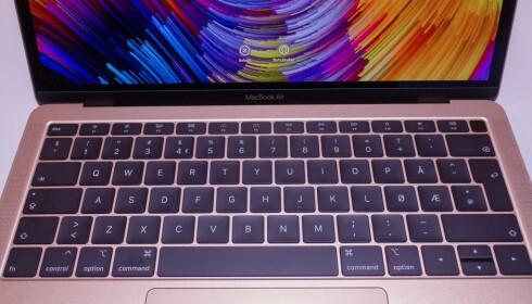 Ingen Touch Bar på MacBook Air.