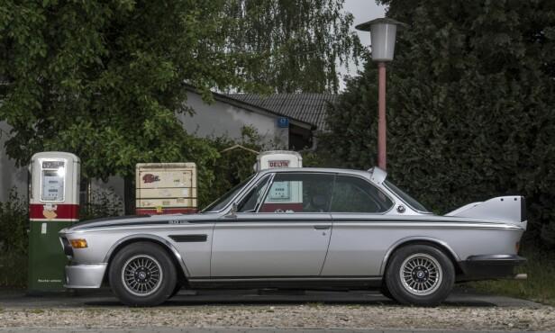 SJELDENT ØYEBLIKK: Dette bildet er sjelden vare. Det viser en av BMW Batmobile som ikke er omringet av folk … Foto: Paal Kvamme