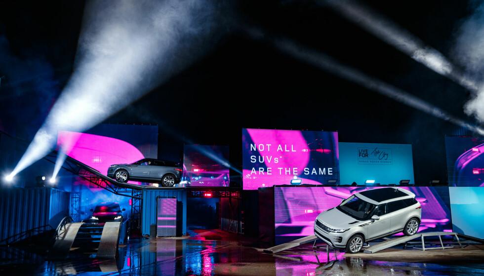 SPETAKKEL: Nye Range Rover Evoque ble vist første gang for publikum på denne scenen i London den 22. november. Foto: Land Rover