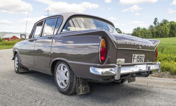 FAMILIEBIL: I 1961 kom Hillman Super Minx kom i 1961 og var Bilen for storfamilien. litt større enn Minx'en, og skulle romme tre barn og bagasje til fem. Foto: Inger Nedberg