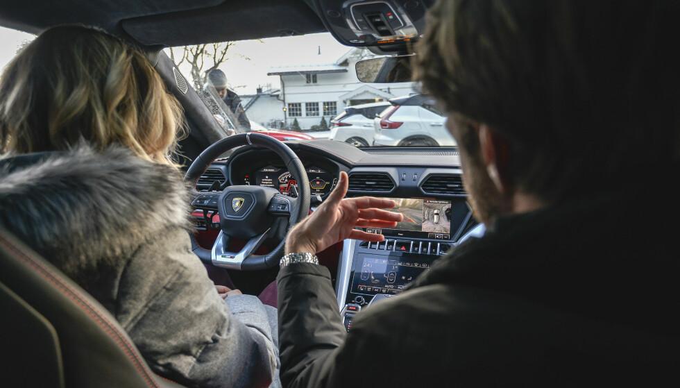 RÅTT: Lamborghini Urus representerte det aller råeste på testen. Ingen var i nærheten når det gjelder akselerasjon, bulder og brak. Foto: Jamieson Pothecary