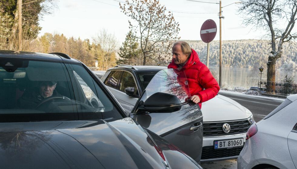 FRA BIL TIL BIL: Det er veldig nyttig å ha alle bilene tilgjengelig samtidig, samtidig som det blir vanskelig å sortere inntrykkene. Foto: Jamieson Pothecary