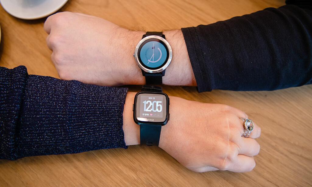 KLOKKEBETALING TIL NORGES STØRSTE BANK: Nå skal DNB begynne å la deg betale med klokka, men bare om du har en fra Fitbit eller Garmin. Foto: Stig B. Fiksedal/DNB