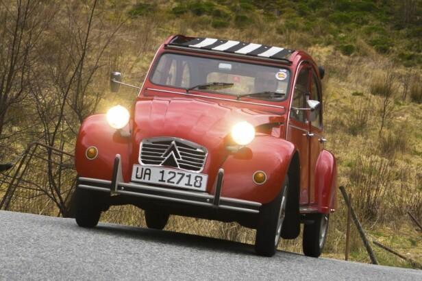 29 HESTEKREFTER: - Når jeg er alene, går bilen som en kule. Den veier bare 600 kilo, sier André Pisani. Foto: Paal Kvamme
