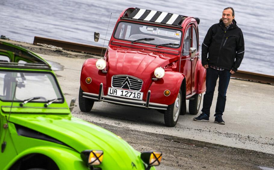 GLADGUTT: For 2CV-entusiast  André Pisani handler ikke  bilkjøring om «miles per hour»,  men om «smiles per hour». Foto: Paal Kvamme