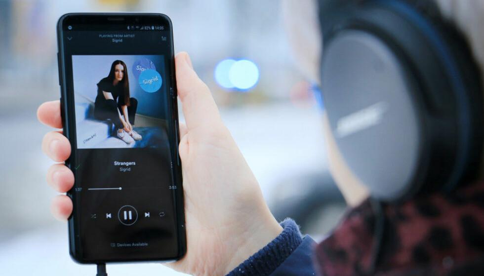 BEST i VINTER-TEST: Samsung Galaxy S9+ kommer best ut i en vintertest av mobiler. Foto: Ole Petter Baugerød Stokke