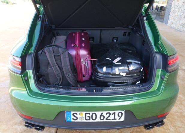 FUNGERER: 500 liter bagasjerom er godkjent. Feller du ned seteryggen, har du 1500. Foto: Knut Moberg