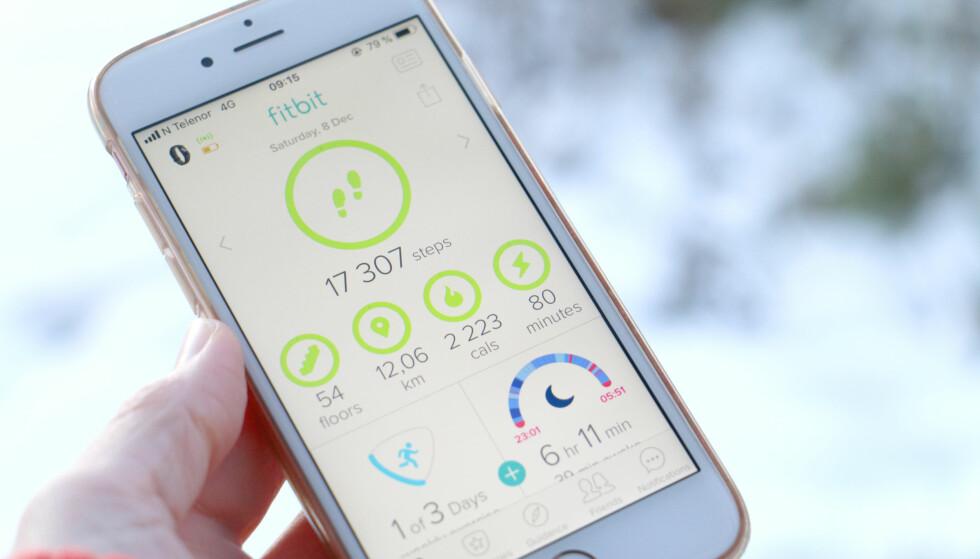 <strong>ENKEL Å FORSTÅ:</strong> Det er enkelt å sette opp klokka og appen er enkel å forstå, også uten inngående teknisk kompetanse. Foto: Kristin Sørdal