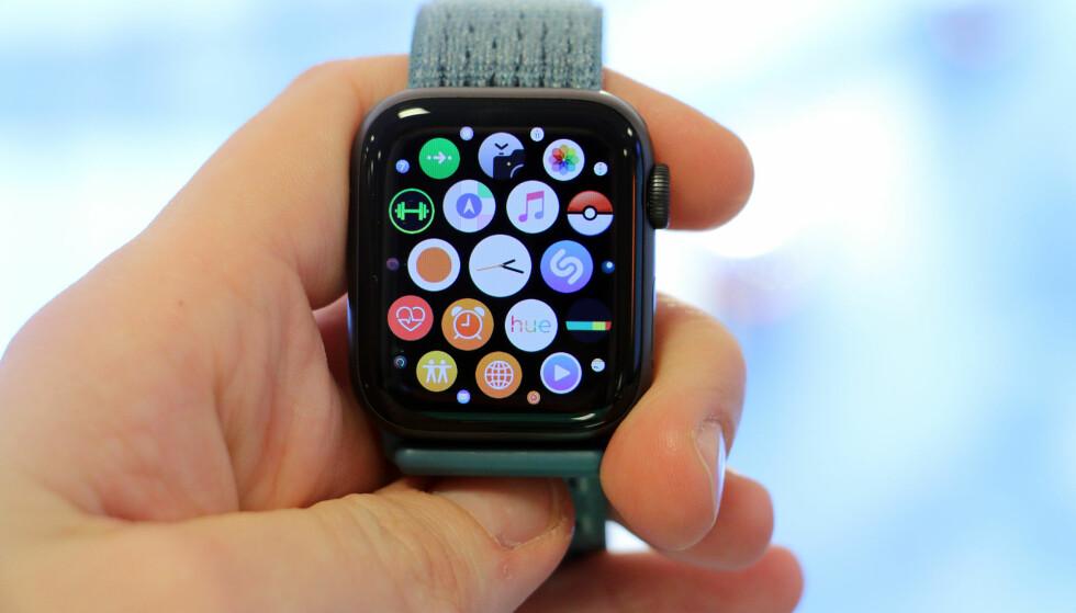 STORT UTVALG: Det har kommet ganske mange apper til Apples smartklokke etter hvert. Her er våre anbefalinger. Foto: Kirsti Østvang
