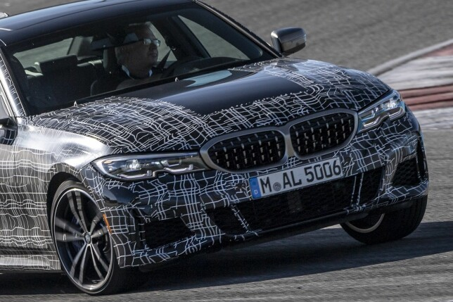 PÅ BANEN IGJEN: Kanskje for å markere at det ikke er produksjonsbiler, var det kamuflerte eksemplarer av nye M340i xDrive vi fikk gleden av å ratte på Autodromo Internacional de Algarve ved Portimão. Foto: BMW