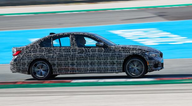FULL AKS: Her prøver artikkelforfatteren fartsressursene på Portimão-banen. 0-100 går unna på 4,4 sekunder og 200 bikkes med god margin før langstrekket er brukt opp. Foto: BMW