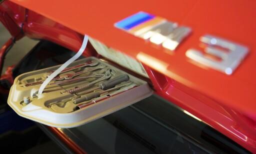 VELFYLT: Komplett verktøysett  i M3-en - et godt tegn. Foto: Paal Kvamme