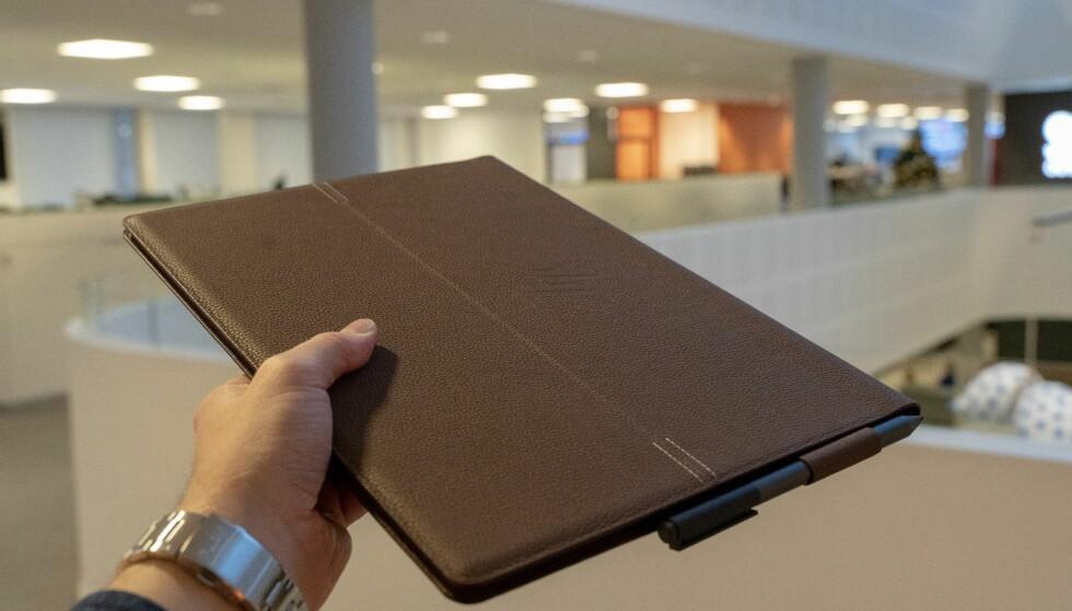 HP Folio har et unik og extravagant design. Vi liker det. Foto: Martin Kynningsrud Størbu