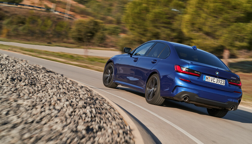 SOM STØPT: BMW 3-serie er et vidunder av tysk ingeniørkunst. Bilen er velbalansert, effektiv og rask, med utmerket veigrep og stabilitet. Foto: BMW