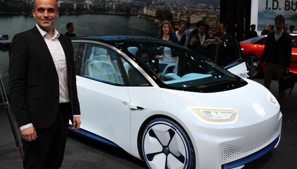 TROR PÅ EVENTYR: - Vi tror på en kraftig økning i salget av elbiler neste år. I andre halvår viser vi vår ny, elektriske ID, men åpner for reservasjon allerede over nyttår, sier Harald Edvardsen-Eibak, sjef i VW i Norge. Foto Rune Korsvoll