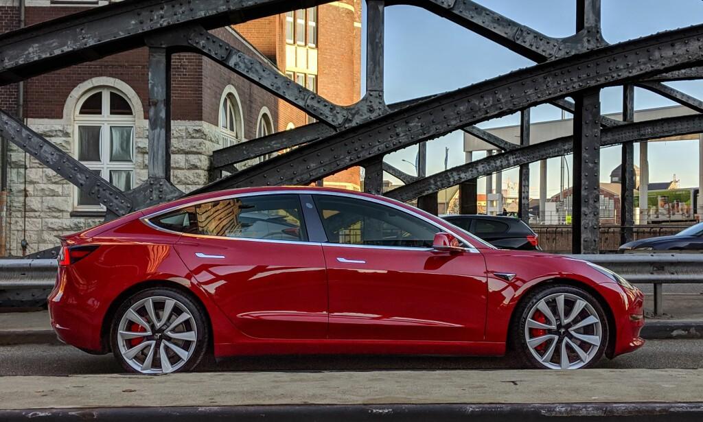 FOLKEBILEN: Model 3 vil bidra til kraftig økt Tesla-salg. Foto: Tesla
