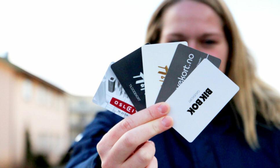 BRUK GAVEKORTET: Pass på når gavekortene forsvinner - små beløp kan vokse seg ganske så store etter hvert. Foto: Ann Kristin Andreassen.