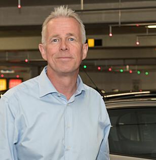- BULKEMÅNED: Kommunikasjonssjef Arne Voll i Gjensidige forteller at desember er høytid for bulker i bil. Foto: GJensidige