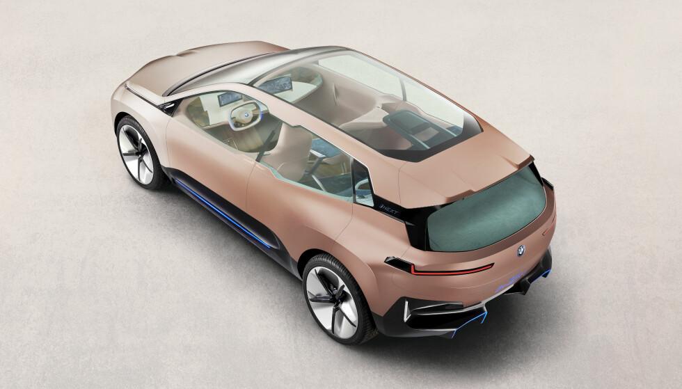 <strong>LYS OG LUFT:</strong> Bilen blir i fremtiden like mye et oppholdsrom som et transportmiddel. Foto: BMW