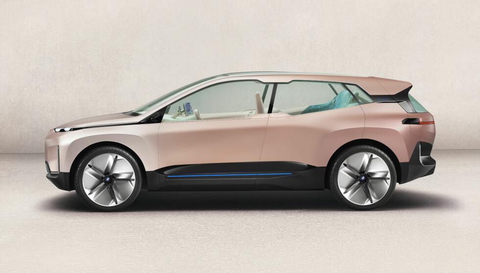 <strong>STOR:</strong> Vision iNEXT Concept befinner seg størrelsesmessig mellom X5 og X7, med over fem meter i lengden. Foto: BMW