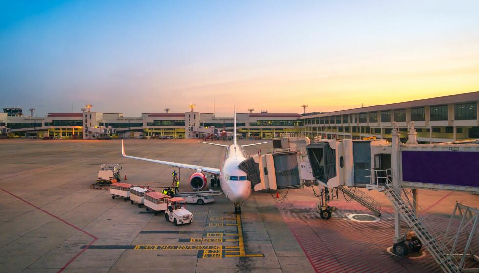 ANKOMST: Når mobilens skrus på etter landing på Suvarnabhumi lufthavn, hovedflyplassen i Bangkok i Thailand, starter gjerne forbruket av mobildata. Foto: NTB Scanpix / Shutterstock