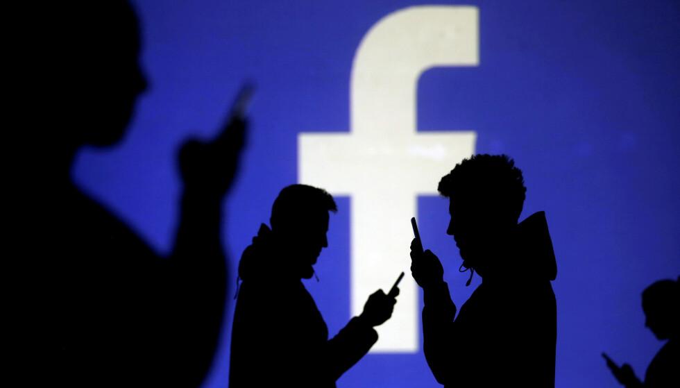 OOPS: Facebook innrømmer nå at private bilder fra millioner av brukere kan være på avveie. Foto: Dado Ruvic / Reuters / NTB Scanpix