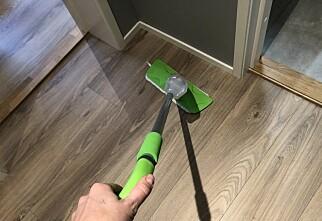 Skal du rengjøre gulvet? Da bør du la vaskebøtta stå