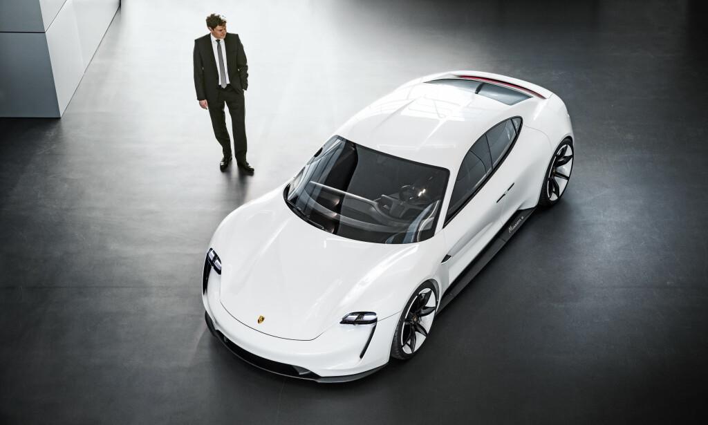 PORSCHE: Mange nordmenn står allerede i kø for denne bilen. Foto: Porsche
