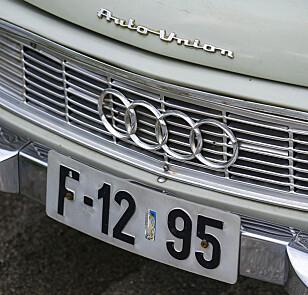FORVIRRENDE: Bilen er en DKW, men på panseret står det Auto Union og den har Audi-ringer i grillen. Foto: Paal Kvamme