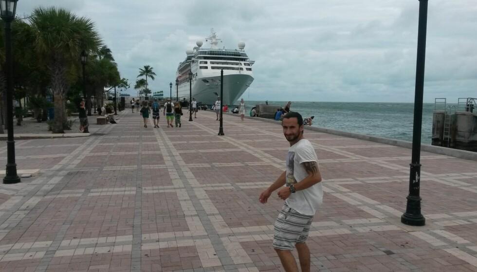 CRUISESTED: Florida er utgangspunkt for store deler av cruisetrafikken i Karibien. Her er Hoshiar på plass på kaia. Foto: PRIVAT