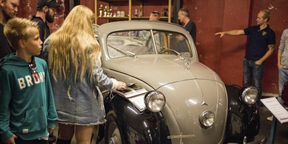 TAPEREN: Hitler gav Mercedes og Ferdinand Porsche i oppdrag å lage en «folkebil». Dette var Mercedes' bidrag - som ble for dyr å produsere - en Mercedes 170H. Aner vi likheter med VW Boble? Foto: Dave Cox