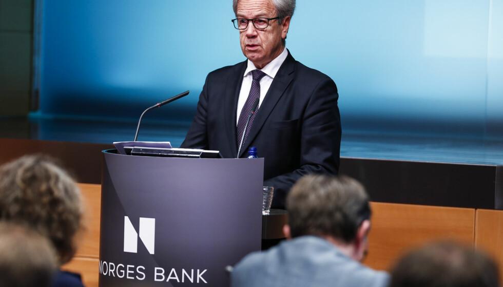 MØTE I MARS: Norges Bank økte renten i september og mars. På bildet ser du sentralbanksjef Øystein Olsen under rentebeslutningen i desember 2018, hvor renten forble uendret. Foto: Heiko Junge/NTB Scanpix.